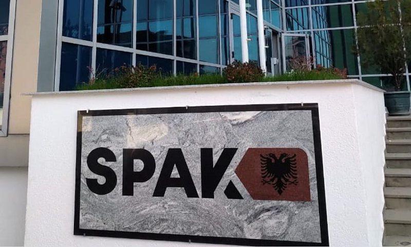 SPAK zbarkon në Kadastrën e Vlorës, sekuestron 'dosjet e