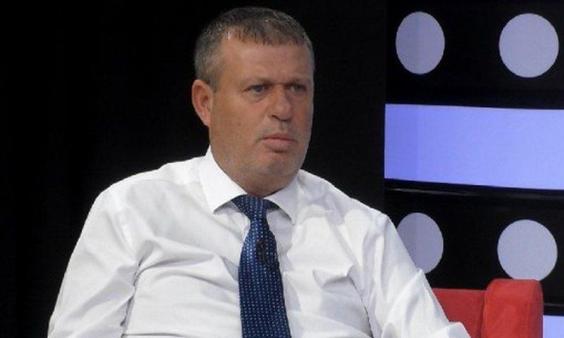 Debate erupts over vetting of politicians / Hajdari: Forget SPAK, a prosecutor